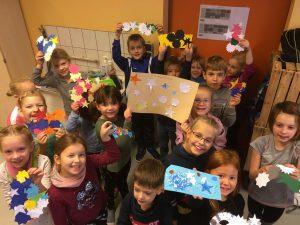 Kreatives Basteln in der Evangelischen Grundschule Wolgast.