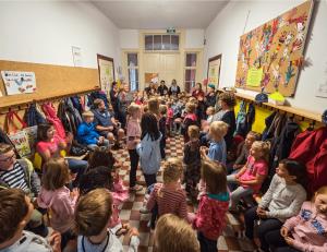 Die Grundschule Adensen-Hallerburg ist eine kleine Schule mit nicht mal 80 Kindern, verteilt auf vier Klassen.